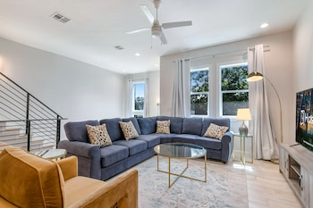 Foto van Spacious Townhouse with Balcony in New Orleans