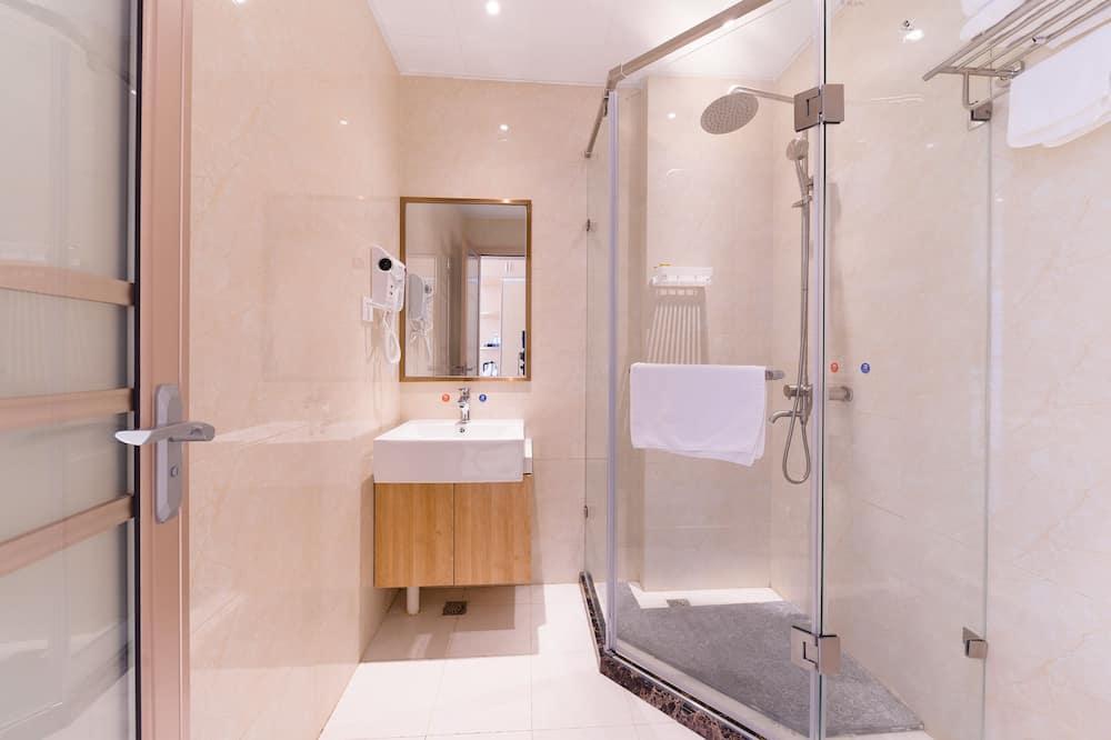 Superior Suite - Bathroom Shower