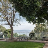 Standard Room - Pemandangan Taman