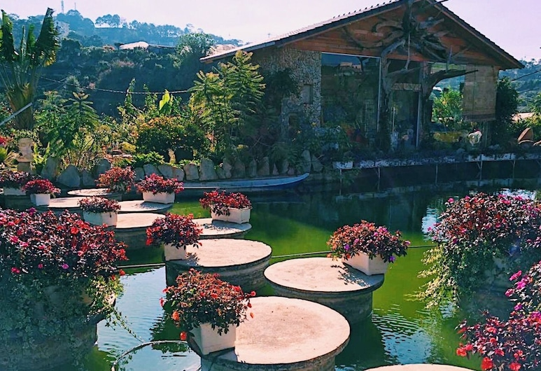 Dream Flower Hotel, Ðà Lat, Bungalow, Seeblick (3 Queen Beds), Garten