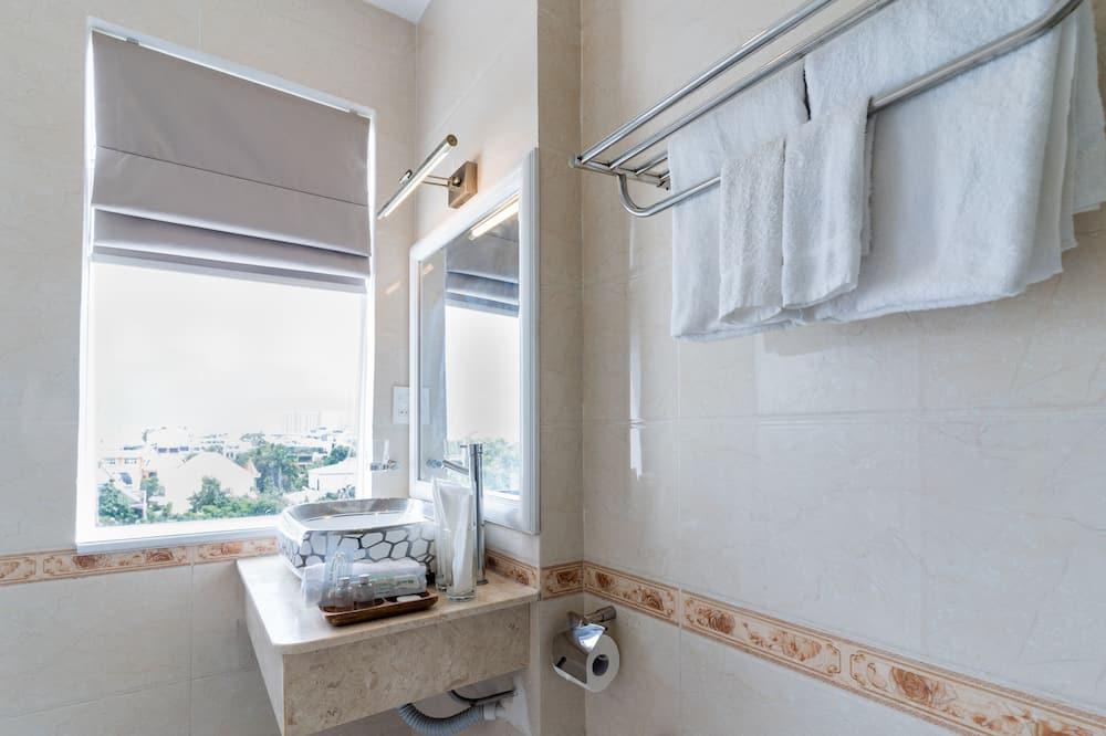 Premium Double Room Single Use - Bathroom