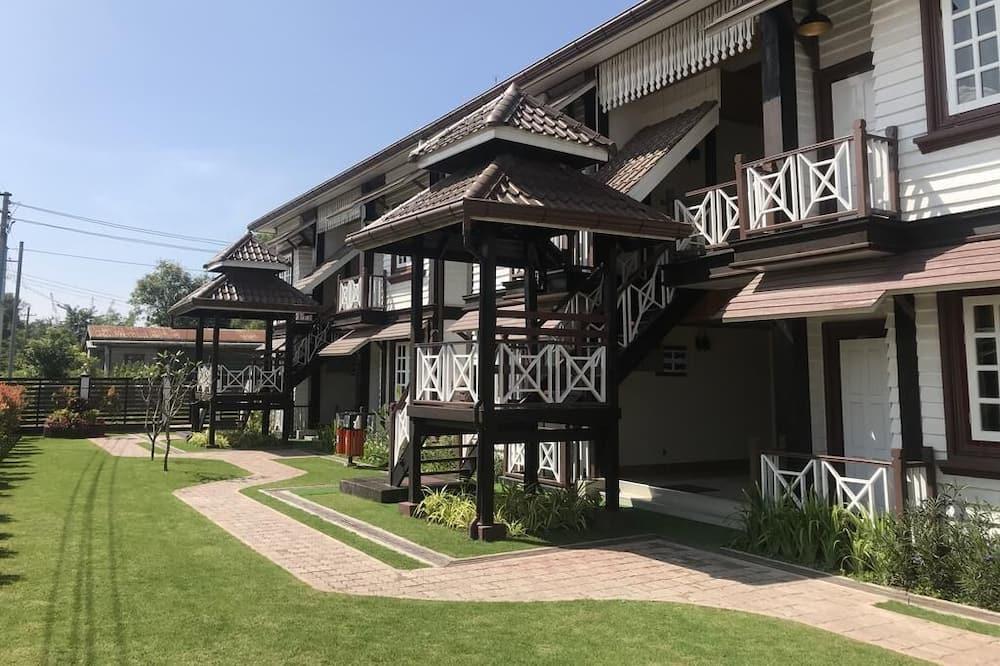 Silver Lake Hotel