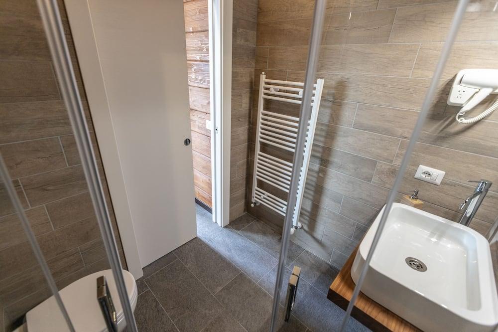 Chambre Triple Classique, 3 lits une place - Salle de bain
