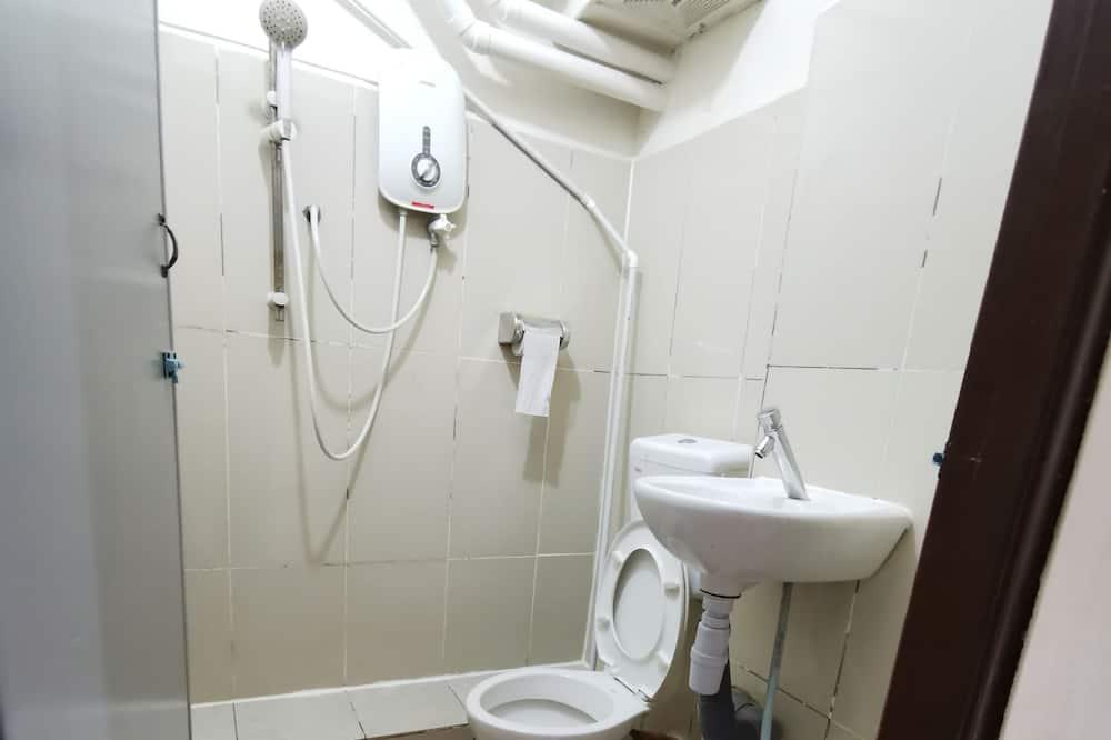 Economy Double Room (B) - Bathroom