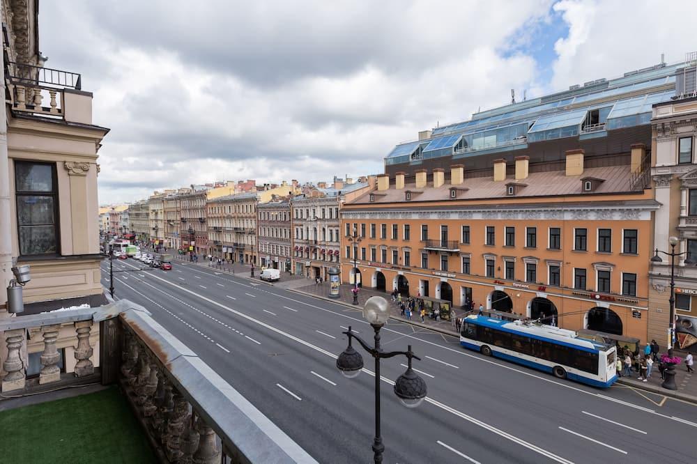 Panoramic külaliskorter, 2 magamistoaga, külmkapp ja mikrolaineahi, vaade linnale (37) - Vaade rõdult