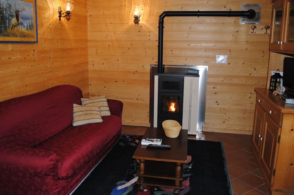 Chalet, 2 Bedrooms, Ground Floor (Paperino) - Living Area
