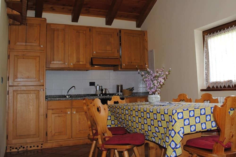 Chalet, 3 Bedrooms (Mansarda Paperina) - In-Room Dining