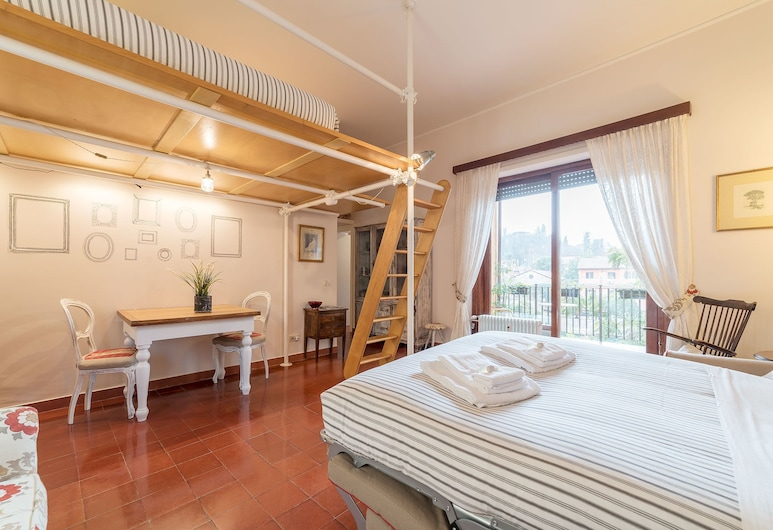 The Quietest Corner of Trastevere! Ac/elevator, Rome, Apartment, 1 Bedroom, Room