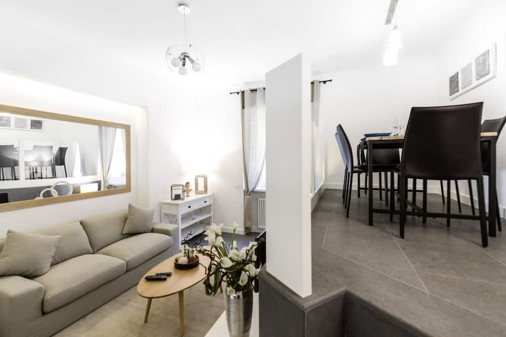 Popolo Apartment