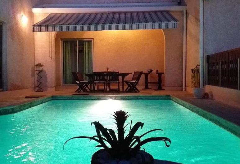 Villa With 3 Bedrooms in Petite Île, With Private Pool, Enclosed Garden and Wifi - 5 km From the Beach, Petite-Ile