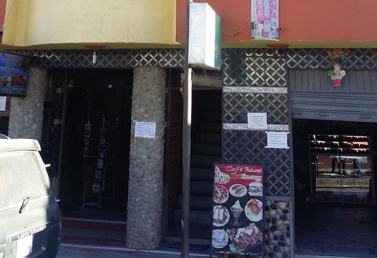 Residencial La Cabaña-Hostel, אויוני