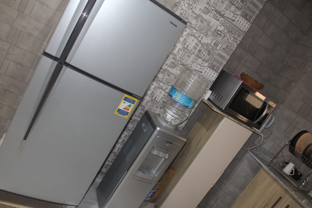 Double Room, Shared Bathroom, City View - Shared kitchen