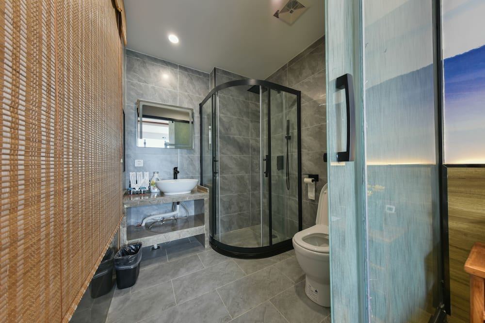 Superior Double Room (Mainland China Citizens Only) - Bathroom