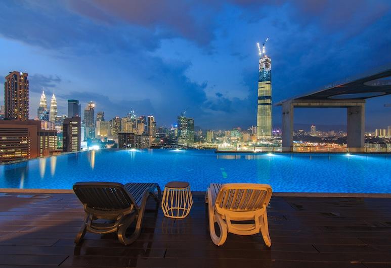 D'majestic Place by Homes Asian 4, Куала-Лумпур, «Бескрайний» бассейн