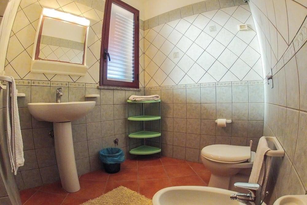 Апартаменты, 2 спальни - Ванная комната
