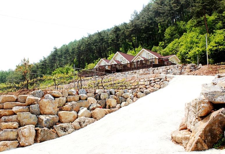 Dongkang Castle, Yeongwol, Entrada del alojamiento