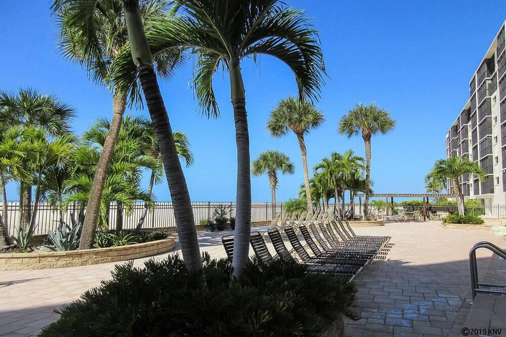 Condo, 2 phòng ngủ - Bãi biển