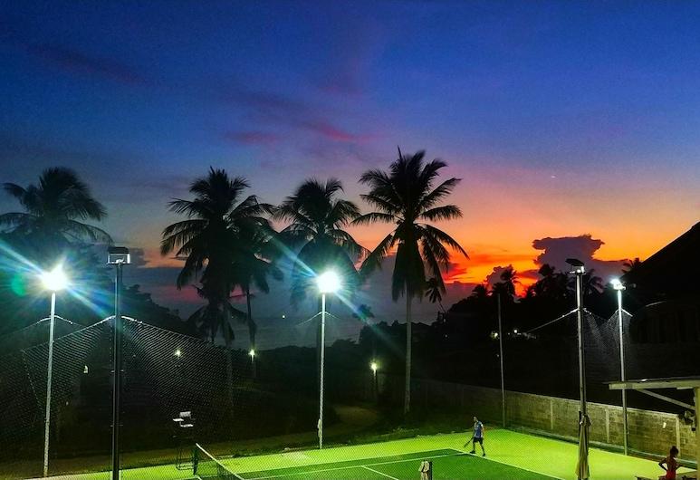 Above & Beyond Hostel, Ko Pha-ngan, Okolica objekta