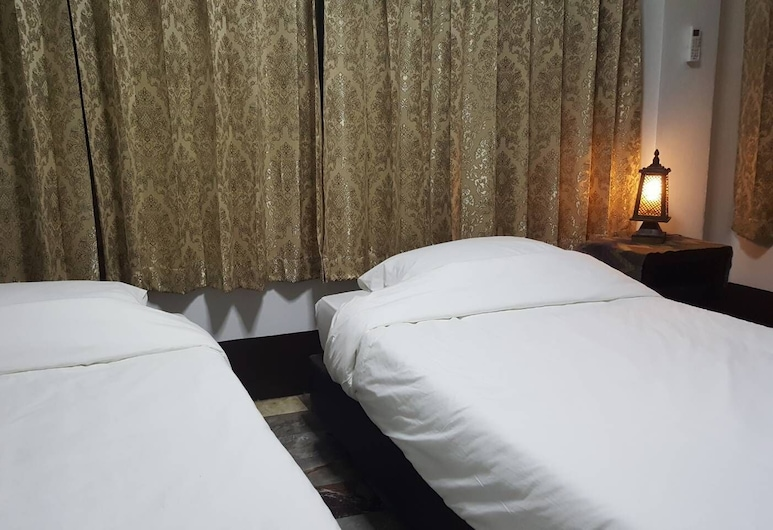 Aunt & Uncle's House, Chiang Mai, Deluxe Room with Shared Bathroom, Guest Room