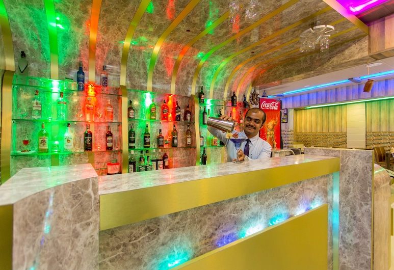 Siddhartha Hotel New Anand, Bhimdatta, Hotelski bar