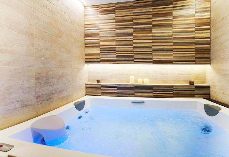 NV Luxury Suites & Spa, Belgrad, Whirlwanne