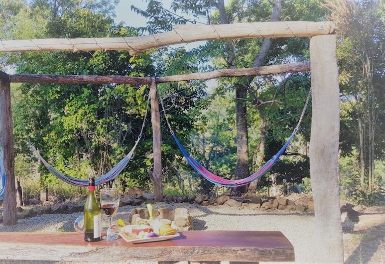 Whitsunday's Hideaway Lodge Pet Friendly Like a Treehouse, Riordanvale, Kawasan Hartanah