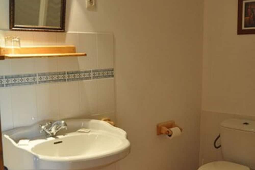 Pokój dla 3 osób - Umywalka
