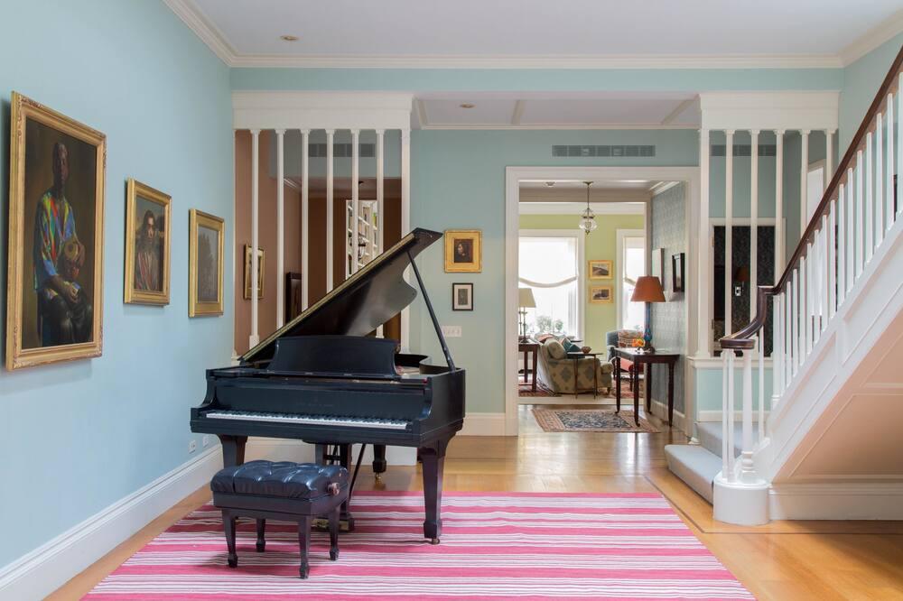 Apartmán (6 Bedrooms) - Obývačka