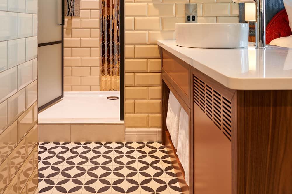 Luxury Room, 1 King Bed (1 Bedroom) - Bathroom