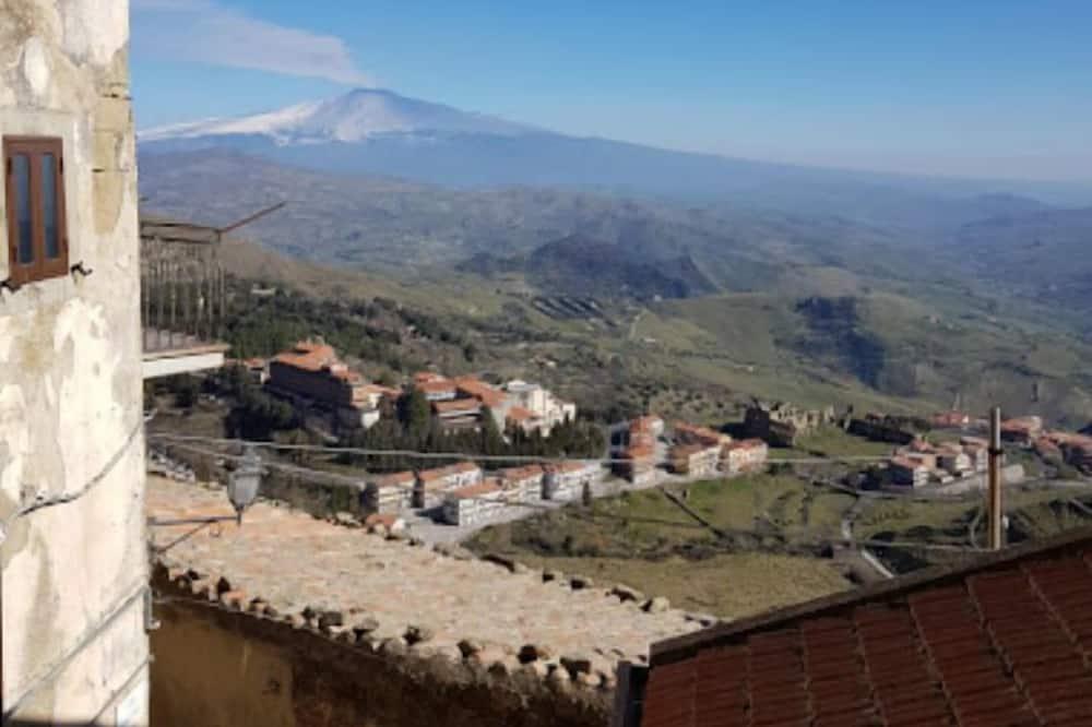 Enkeltrom - Utsikt mot fjell