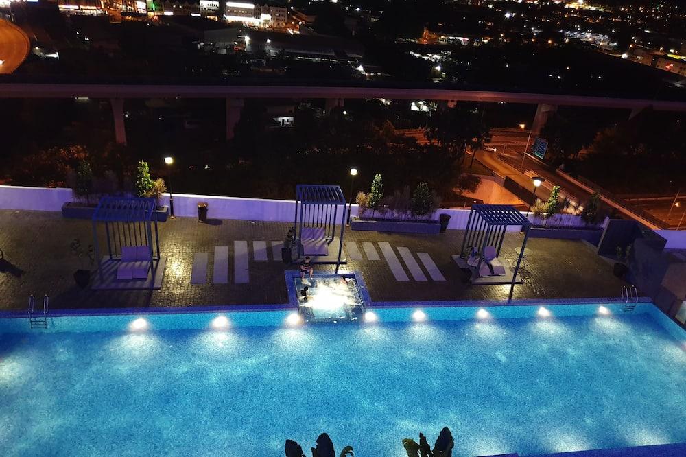 Suite Prestigio, 1 cama Queen size con sofá cama, cocina, vista a la piscina - Vista al agua