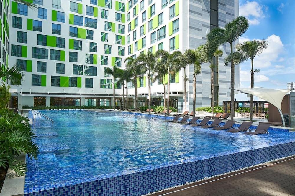 Luxury Suite, 1 Bedroom, Pool View - Guest Room View