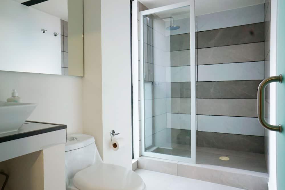 Liukso klasės studija - Vonios kambarys