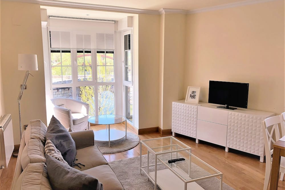 Exclusive Apartment, 2 Bedrooms - Living Room