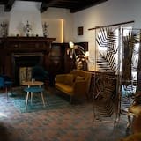 Superior Burgundian Suite with Terrace - Living Area