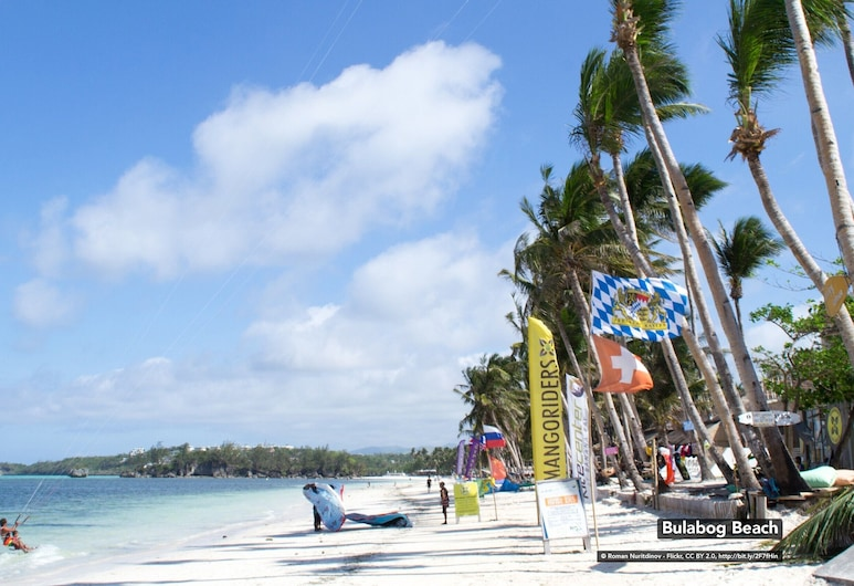 ゼン ルームズ チャーテル イン ボラカイ, Boracay Island, ビーチ