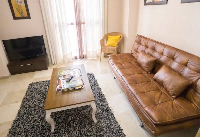 Cozy apartment at Santa Cruz neighborhood (CC1), Seville, Apartment, 2 Bedrooms, Living Area
