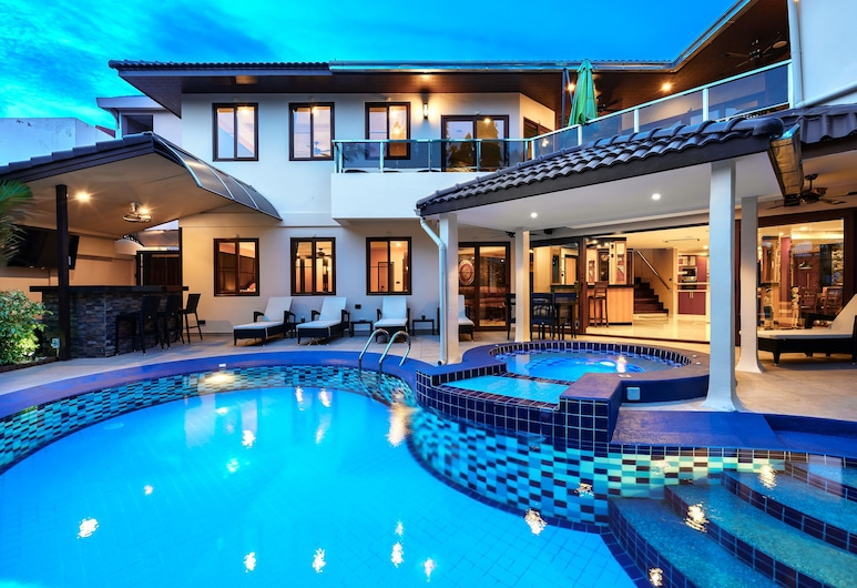 Luxury Pool Villa T1 Near Walking Street, Pattaya