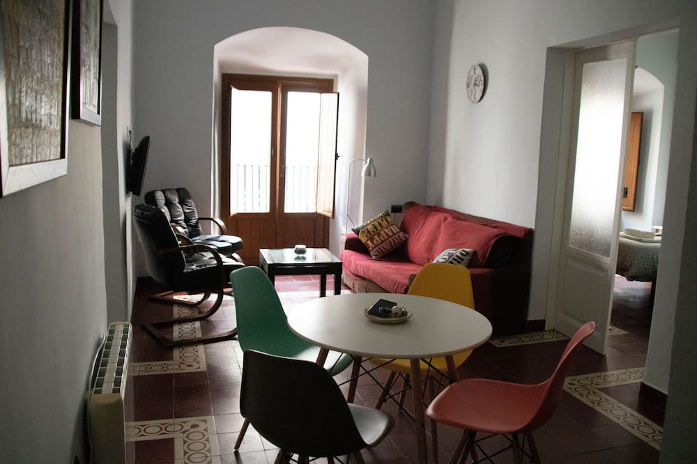 Apartment, 2 Bedrooms, Balcony (Almena II) - Living Room
