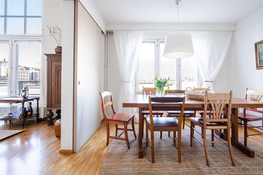 อพาร์ทเมนท์, 2 ห้องนอน - บริการอาหารในห้องพัก