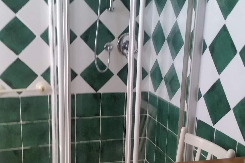 Værelse til 3 personer - fælles badeværelse - bjergudsigt - Badeværelse