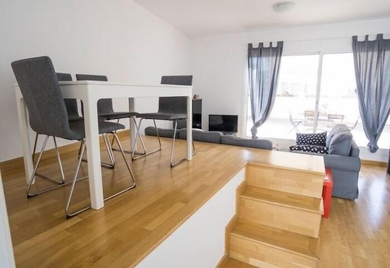 Duplex in the heart of Seville , Seville, Dvojposchodový apartmán, 2 spálne, terasa, Obývacie priestory