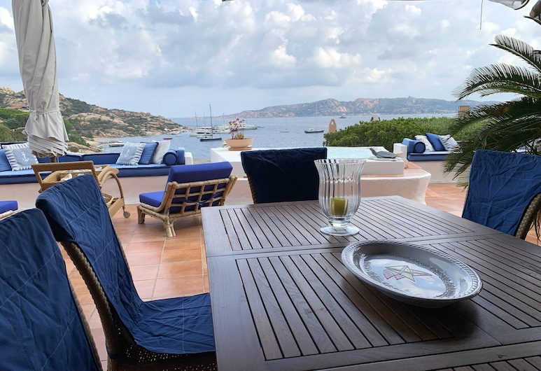 Villa With 4 Bedrooms in Porto Rafael , With Wonderful sea View, Enclosed Garden and Wifi - 400 m From the Beach, Palau, Terrace/Patio
