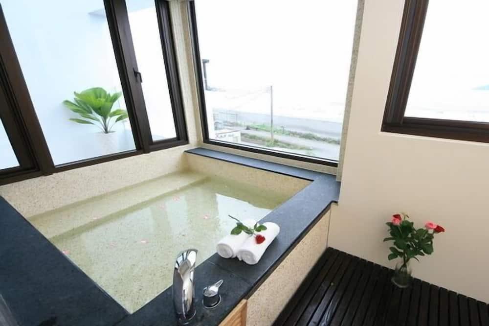 Double Room (2D) - Bathroom