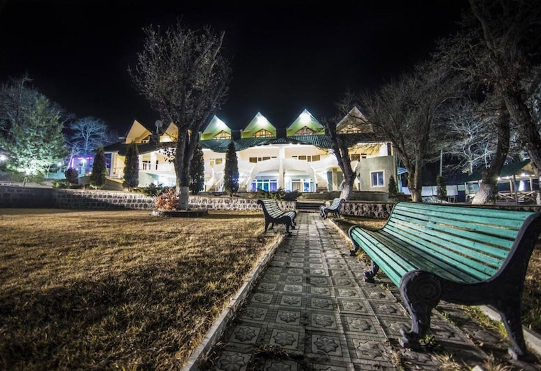 Artsvik Hotel Tsaghkadzor, Tsaghkadzor, Hotel Front – Evening/Night