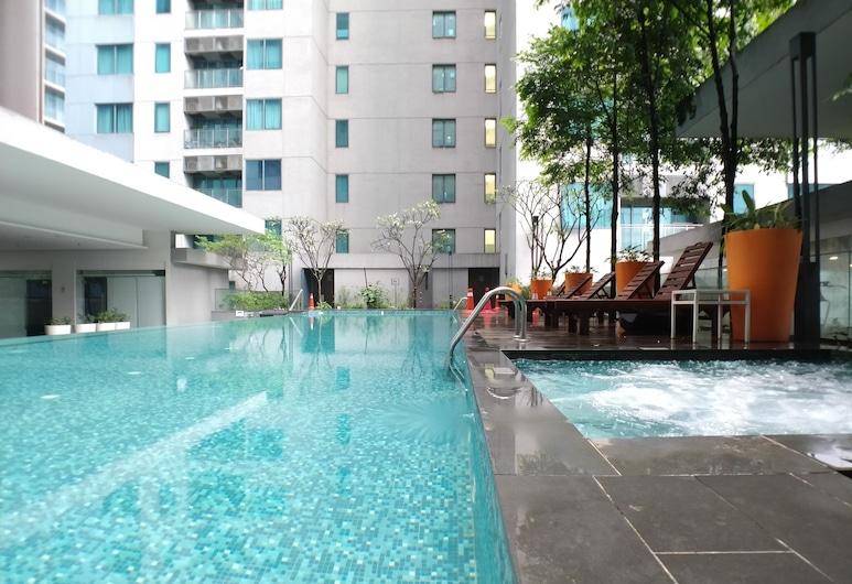 OHO Suites KLCC Summer Suites, Kuala Lumpur, Pool
