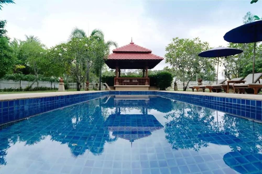 Familjevilla - Privat pool