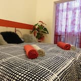 Double or Twin Room, Shared Bathroom - Guest Room