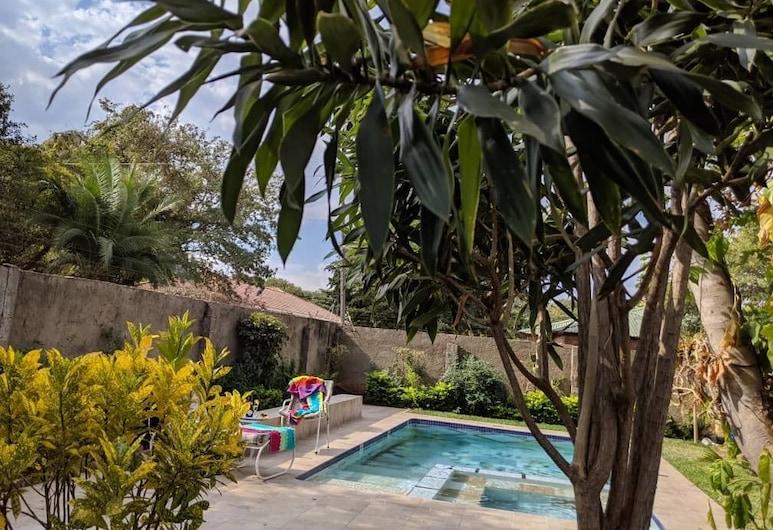 Inkindaba Guest House, Thị trấn Victoria Falls, Hồ bơi ngoài trời