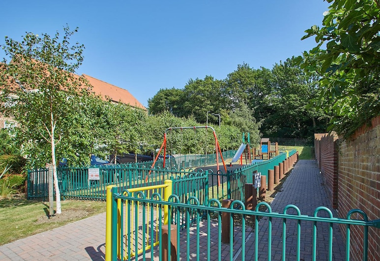 The Holt Apartment, וויטבי, אזור משחק לילדים - בחוץ